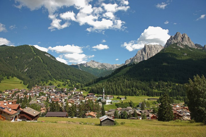 Panoramic view in summer - Pozza di Fassa